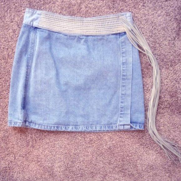 Sharagano Dresses & Skirts - SHARAGANO Denim Skirt w/Fringe $30
